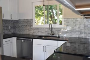 carrara_kitchen_backsplash