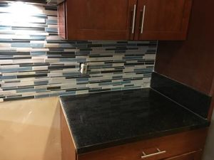glass_mosaic_backsplash