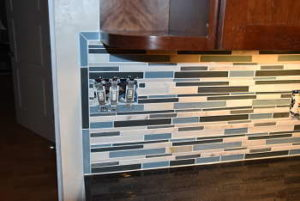 glass_mosaic_tile_trim